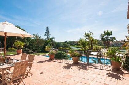 Villa with 4 bedrooms and Office with lake view- Quinta do Lago - 9865