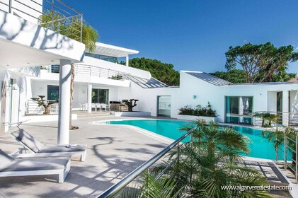 Contemporary villa with 6 bedrooms and vista golf - 16204