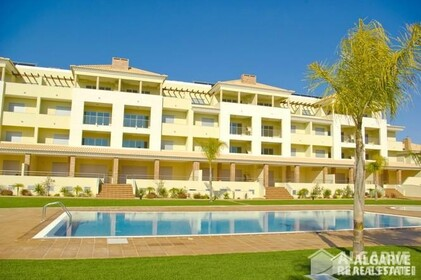 2 bedroom apartment in a gated residential area of Vilamoura - 7019