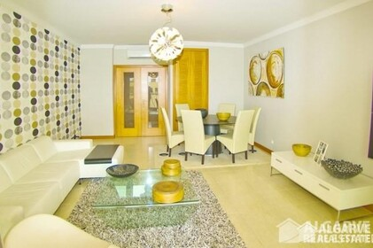 2 bedroom apartment in a gated residential area of Vilamoura - 7011