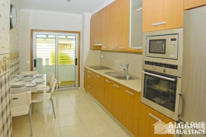 2 bedroom apartment in a gated residential area of Vilamoura - 7009