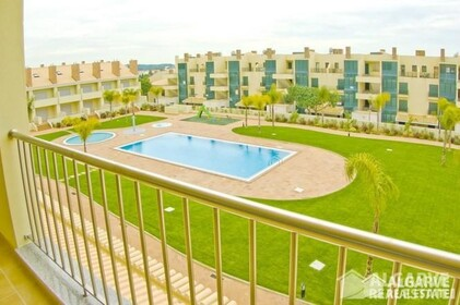 2 bedroom apartment in a gated residential area of Vilamoura - 7020