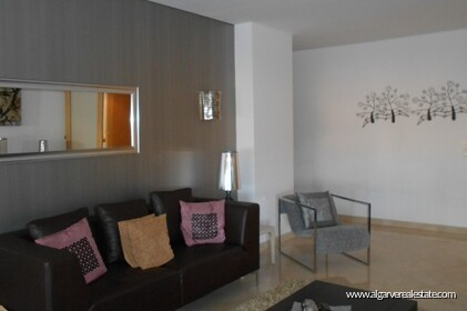 2 bedroom apartment located in condominio Aquamar in Vilamoura Marina - 1
