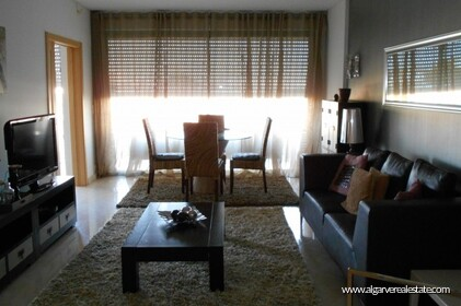 2 bedroom apartment located in condominio Aquamar in Vilamoura Marina - 2