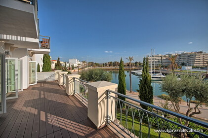 Luxury apartment with 2 bedrooms and Marina Vilamoura views - 0