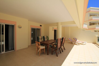 2 bedroom apartment in a gated condominium in Vilamoura - 9