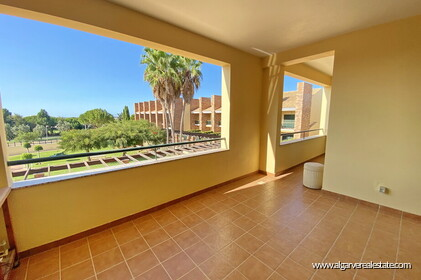 Apartment with 2 bedrooms and large terrace located in Vilamoura