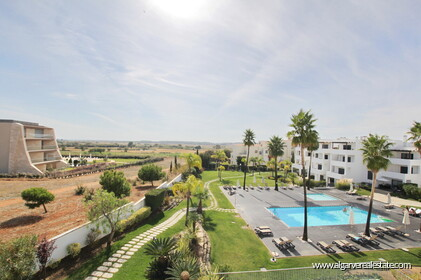 Two bedroom penthouse apartment with sea view in Vilamoura