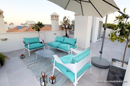 Luxury penthouse with 3 bedrooms and sea view - 16235