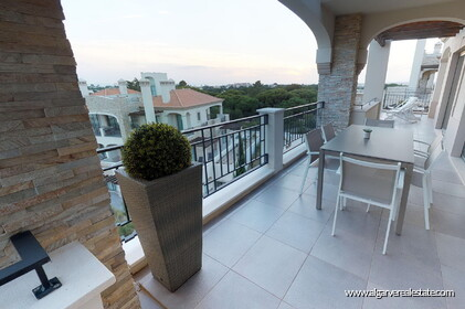 Luxury penthouse with 3 bedrooms and sea view - 16254