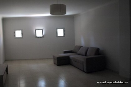 Semi-detached villa with 2 bedrooms + 1 condominium with swimming pool  - 10