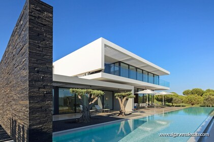 Villa V4 for sale in Vilamoura • ref 141485 - 3
