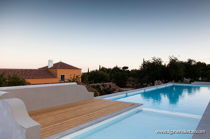 Charming farm villa with 6 bedrooms and sea view