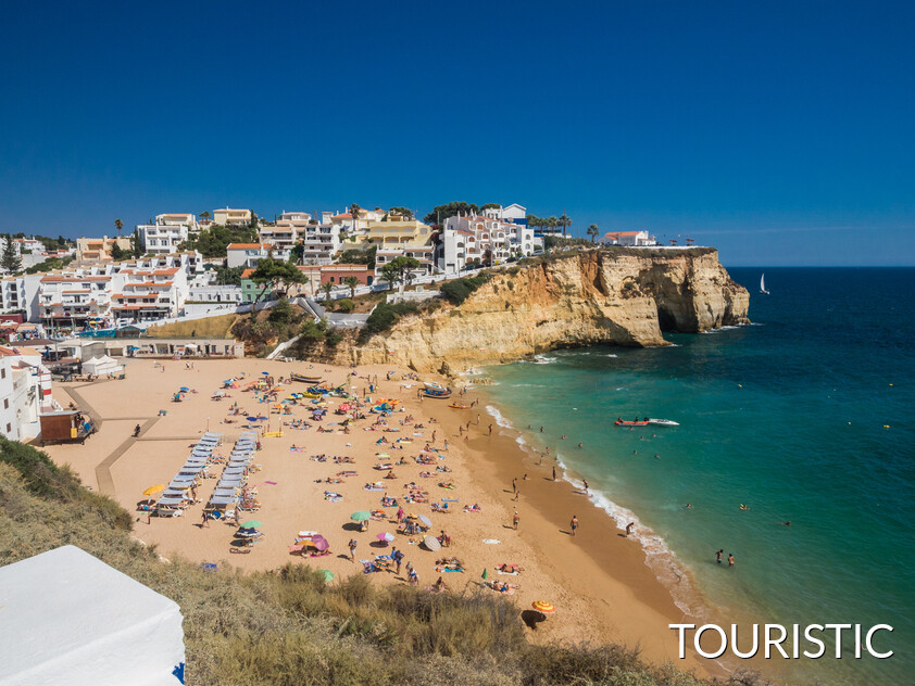 carvoeiro touristic beach