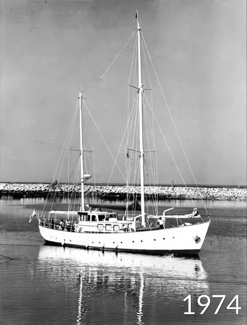 The first boat to enter the marina of vilamoura in 1974
