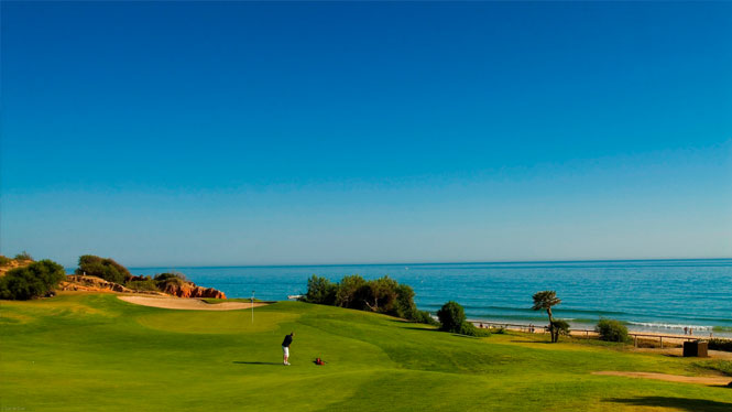 Golf com vista mar