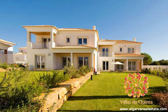 Villas da Quinta, luxury properties in condominium