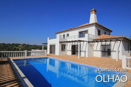 Properties in Olhão