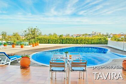 Properties in Tavira